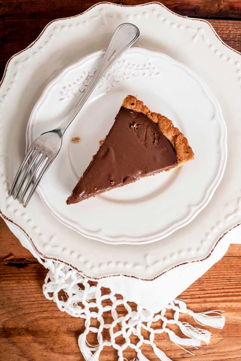 Crostata vegana alla crema di cioccolato fondente