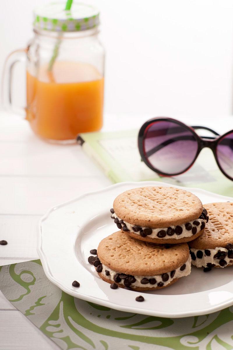 Finto Cookie con ricotta al cocco e cioccolato