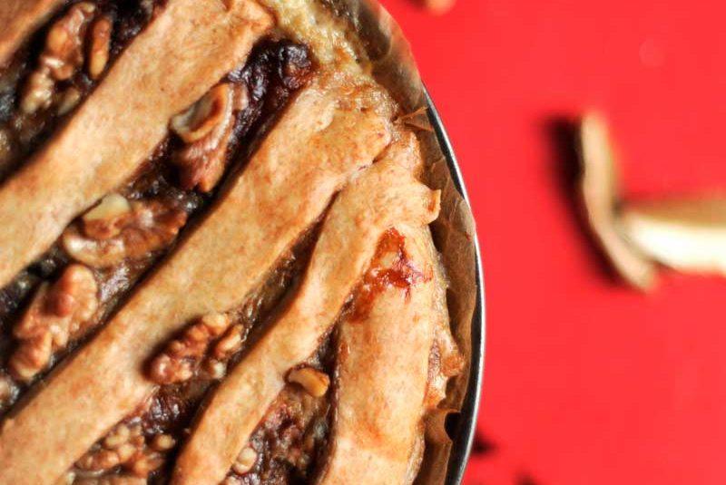 Torta salata integrale con funghi, stracchino e noci