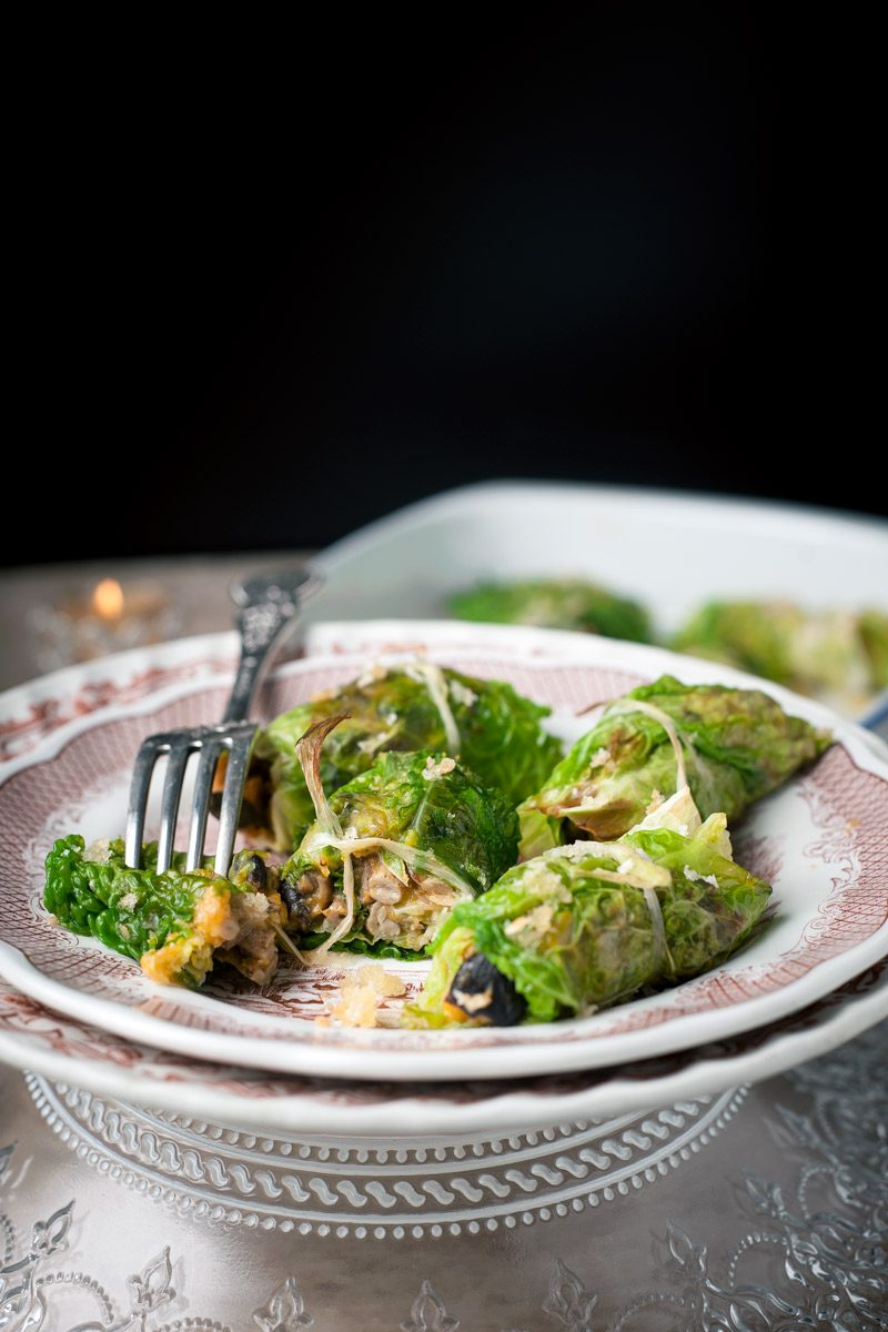 Involtini di verza ripieni di zucca, funghi pioppini e patate